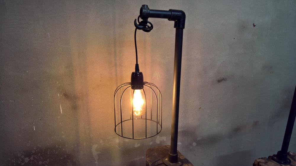 Industriële lamp grote hanglamp bolglas en gaas stoer te