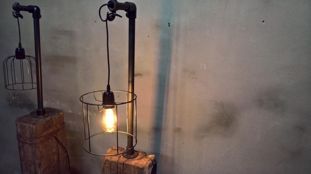 Stoere staande lamp spoor als nieuw